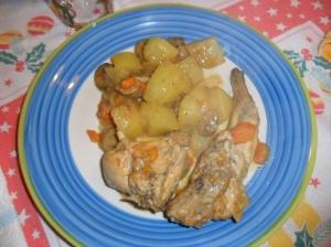 coniglio con patate e funghi